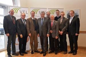 Wünschen sich mehr Mut und Eigeninitiative von den Bauern: Werner Schwarz (3. von links) und der Vorstand des Emsländischen Landvolkes.