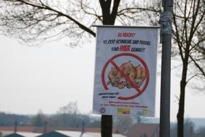 Plakate gegen Massentierhaltung verärgerten die Landwirte (c) http://www.ivz-aktuell.de/