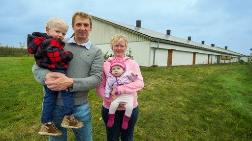 Nadine Henke mit ihrer Familie (c) vom WDR, WestArt