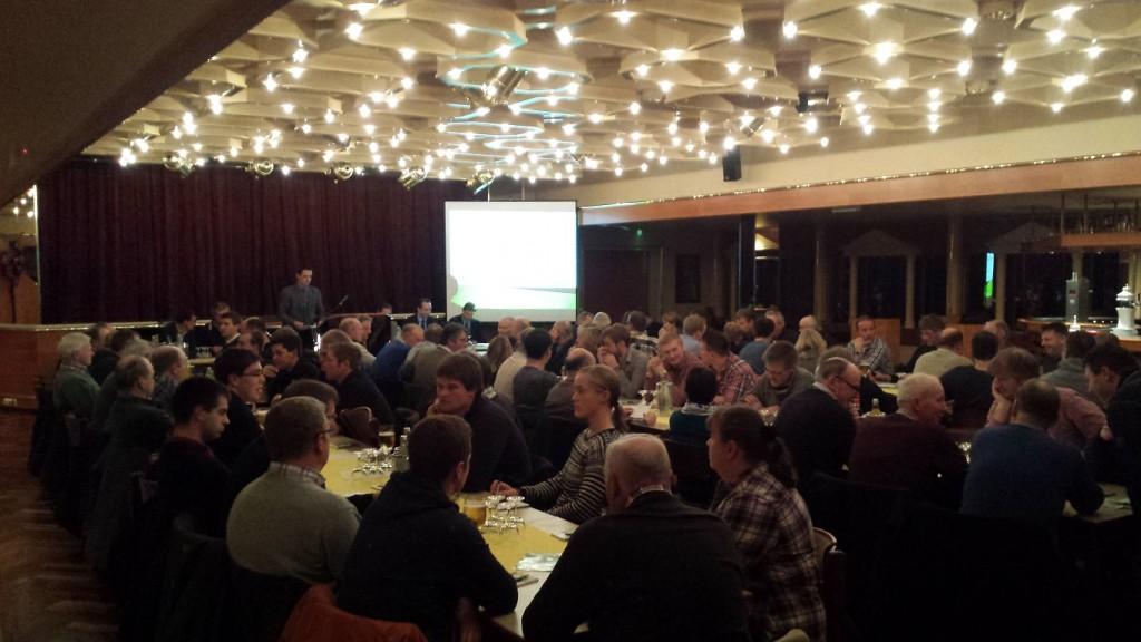 """Auch bei der Jahreshauptversammlung des landwirtschaftlichen Vereins Scheeßel wurde über """"Frag den landwirt"""" und die anstehende """"Wir machen Euch satt""""-Demo informiert."""