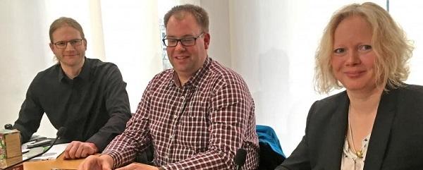Foto der Initiatoren bei der Pressekonferenz in Berlin
