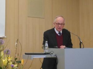 Im Bild ist der erfahrene Staatssekretär Aeikens