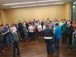 Die Teilnehmer des Praktikernetzwerkes stellen sich für das gemeinsame Gruppenfoto auf