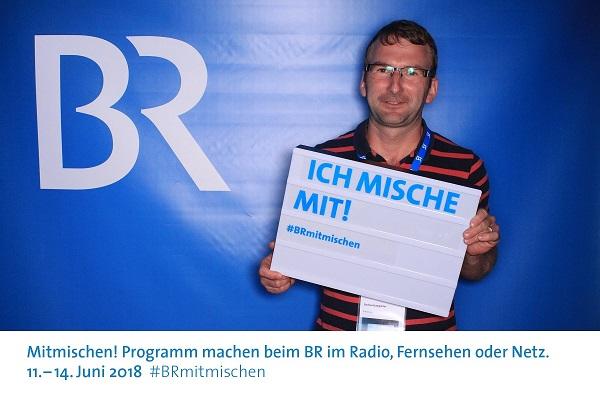Im Rahmen der Aktion #Mitmischen beim Bayerischen Rundfunk war Gerhard Langreiter,Landwirt und Ferkelerzeuger aus dem Landkreis Mühldorf am Inn, für einen Tag bei der Redaktion von Kontrovers, einem Poltikmagazin beim BR, mit dabei. Bei BlogAgrar berichtet er von seinen Eindrücken.