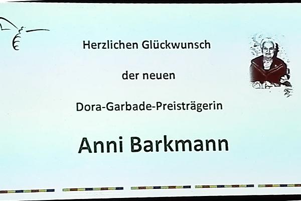 Herzlichen Glückwunsch der neuen Dora-Garbade-Preisträgerin Anni Barkmann